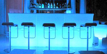 Banconi bar e sgabelli a noleggio allestimenti per eventi for Banconi bar usati roma